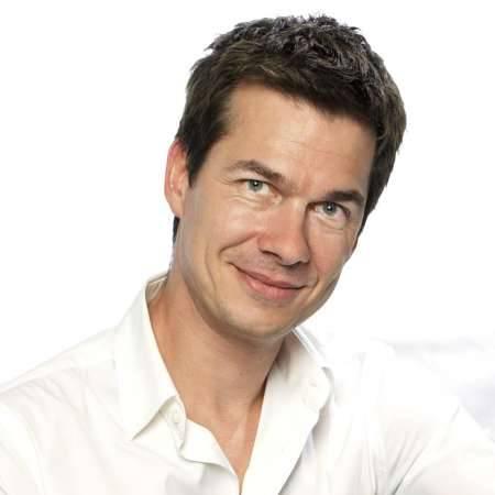 Philippe : Brand Director / Directeur Marketing, Communication & Digitalal