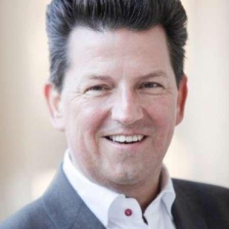 Florian : Directeur Marketing International Luxe