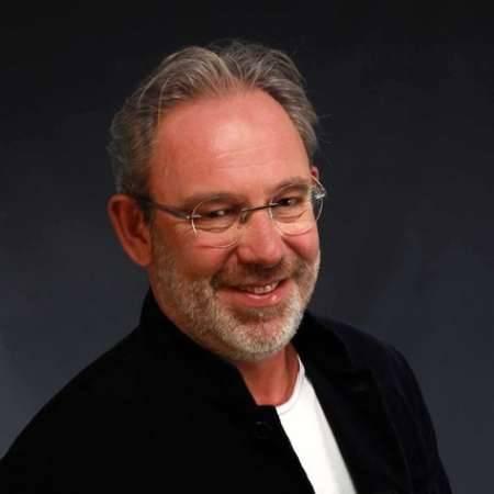 Didier : Directeur Marketing Communication