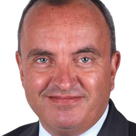 Edouard : Directeur Commercial