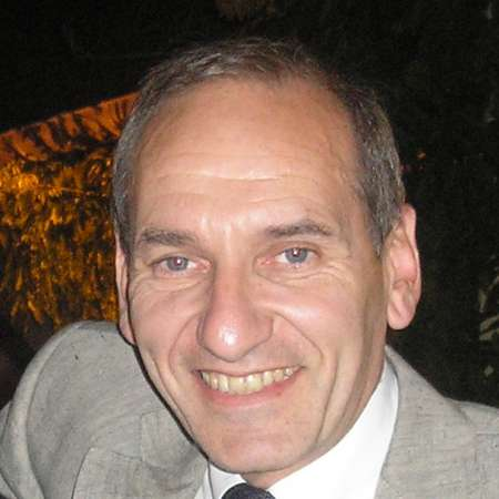 Roberto : Directeur General