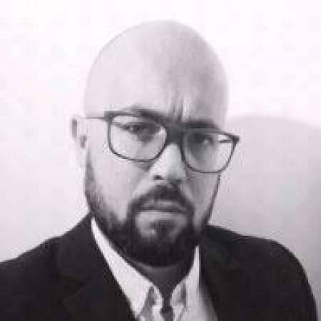 Nicolas : Directeur Marketing