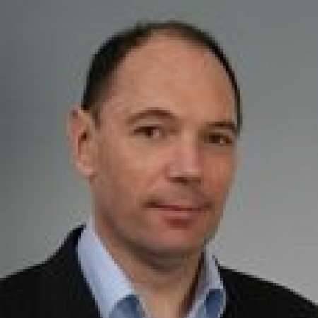 Eric : Directeur Général Developpeur Stragège & Opérationnel