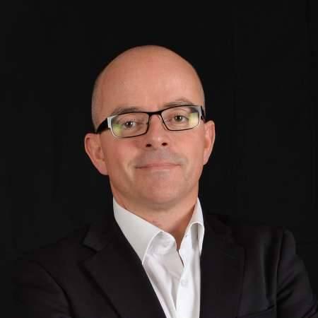Laurent : Directeur des Opérations / Directeur de B.U.