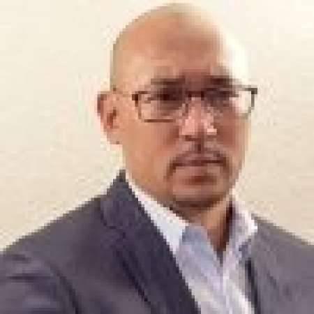 Gilles : Directeur Général Ventes et Marketing