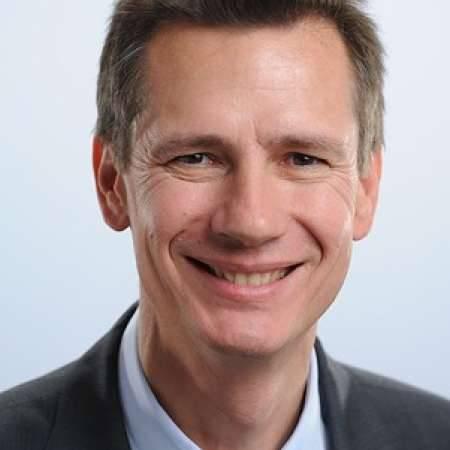 Jean-Christophe : Direction Générale d'activités de services    dédiées à l'industrie et au Tertiaire