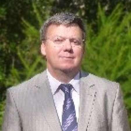 Philippe : Directeur Opérationnel, Directeur général