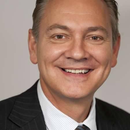 Jean-Daniel : Directeur Général de distribution B to B