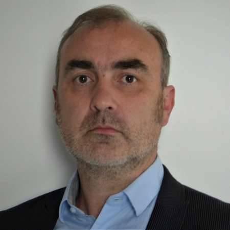 Olivier : Directeur Etablissement de santé et médico social, Directeur Régional