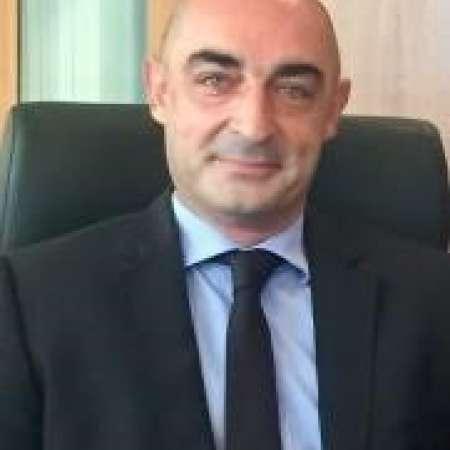 Manager directeur général,redressement