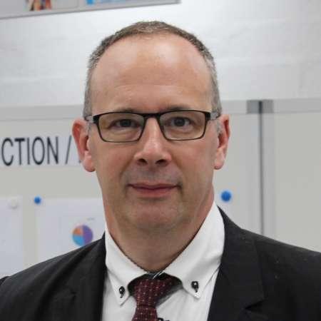 Jean Luc : DG / DI/ D site / Retournement B to B / Industrie & Services