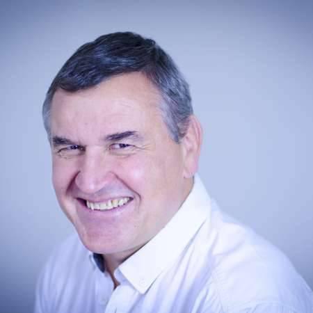 Laurent : Directeur des opérations