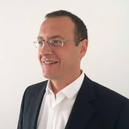 Emmanuel : Directeur général / Directeur des opérations / Projets de transformation