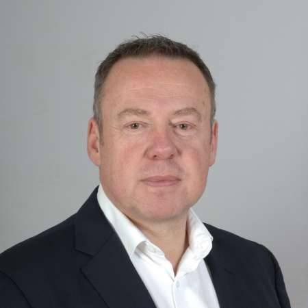 Philippe : Directeur Général / Directeur Industriel