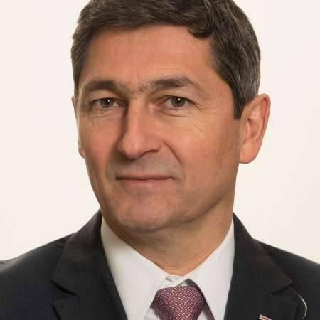 Franck : Directeur des opérations