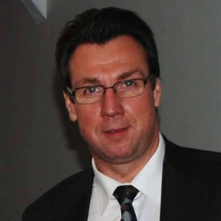 Bernard : Directeur de site(s) / Directeur Industriel