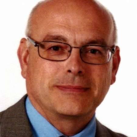 Claude : Directeur Usine Agro-Alimentaire