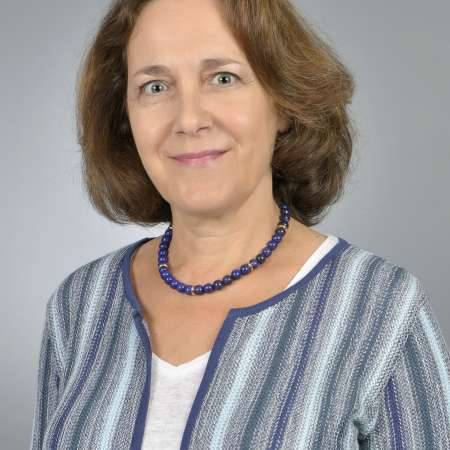 Valérie : directrice juridique