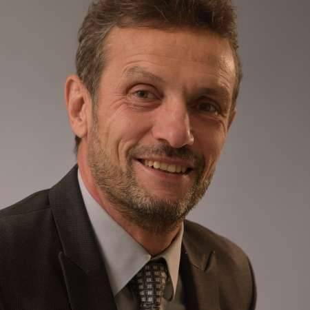 Jean Marie : Directeur Logistique - Expertise, gestion de projet, conduite du changement, univers du Luxe