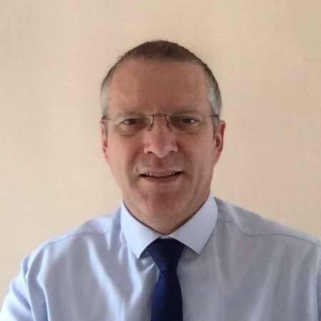 Stéphane : Directeur de filiales
