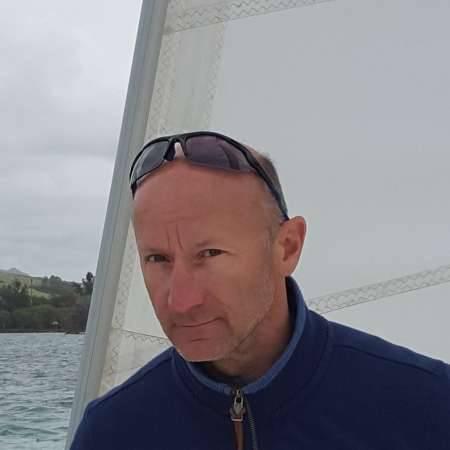 Gilles : Directeur logistique