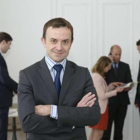 Stéphane : Secrétaire général - Directeur de projet/transfo - Chargé de mission