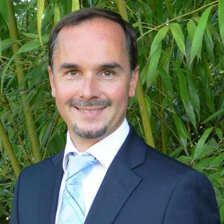Pascal : Chef de projet international, multilingue, expert BtoB et industrie (automobile, utilitaires, poids lourds)