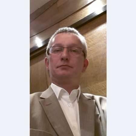 Valéry : Directeur de projet/Directeur informatique