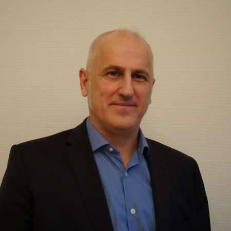 Thierry : Directeur de la Transformation - DG - Digitalisation des organisations - Innovation -Accompagnement des projets transverses -
