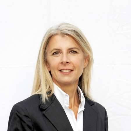 Caroline : Expert Rémunération & avantages sociaux - Process RH